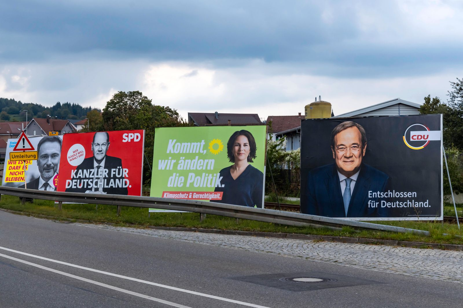 Wahlplakat zur Bundestagswahl 2021. BTW21. Großplakate von CDU, Grüne, SPD, FDP. // 19.09.2021: Deutschland, Baden-Württ