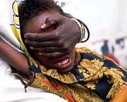 Genitalverstümmelungin Somalia: Das Opfer ist zum Zeitpunkt des archaischen Rituals sechs Jahre alt
