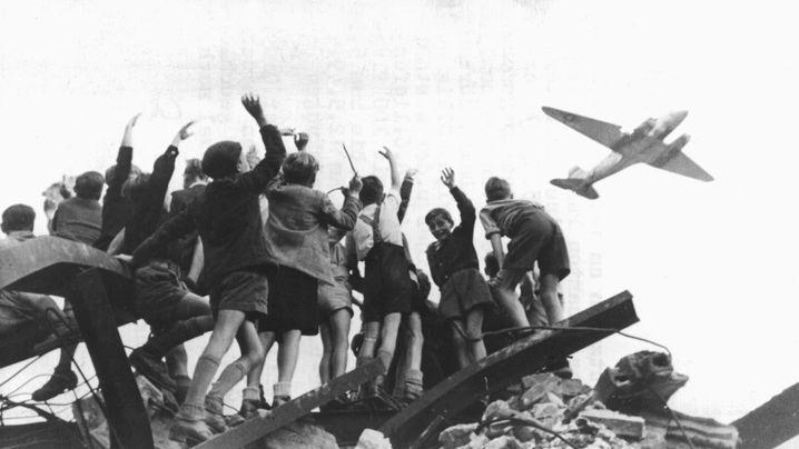 """Berliner Luftbrücke: """"Ihr Völker der Welt, schaut auf diese Stadt"""""""