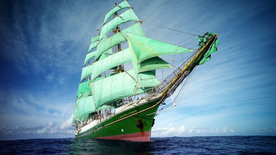 """Die """"Alexander von Humboldt"""" (Archivbild): """"Sail Away"""""""