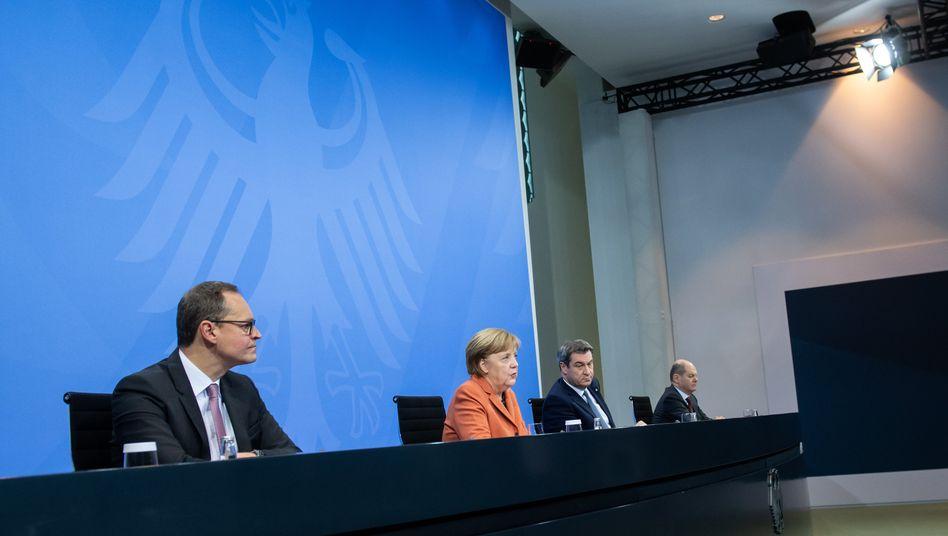 Pressekonferenz mit Michael Müller, Angela Merkel, Markus Söder und Olaf Scholz im Kanzleramt am 13. Dezember