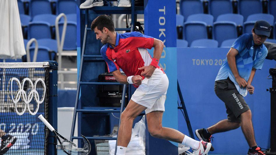 Ein seltenes Bild: Djokovic entkräftet