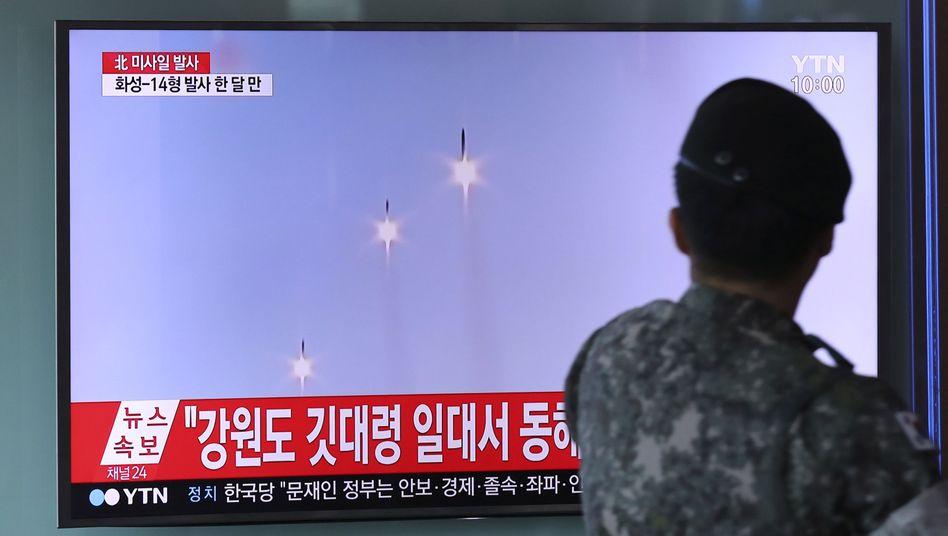 Bericht über den Raketentest im südkoreanischen Fernsehen