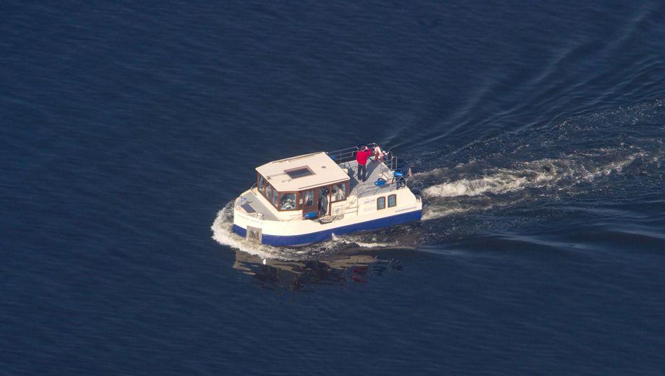 Irrfahrt: Das Hausboot ist eigentlich für seichtere Gewässer gedacht