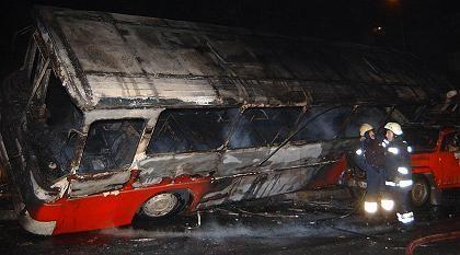 Anschlag in Istanbul: Brandbomben auf einen Bus