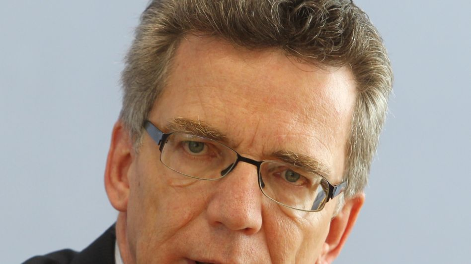 """Minister de Maizière: """"Recht auf Vereinigungsfreiheit verwirkt"""""""