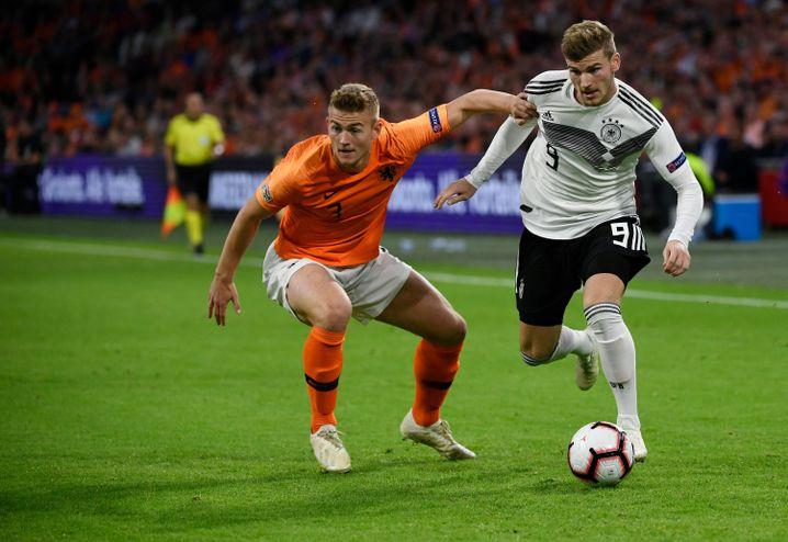Timo Werner (r.) bei der 0:3-Niederlage gegen die Niederlande
