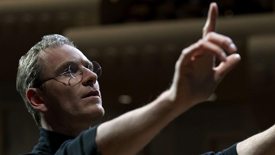 """Michael Fassbender als Steve Jobs: """"Im Film vergleicht er sich auch mit Gott"""""""