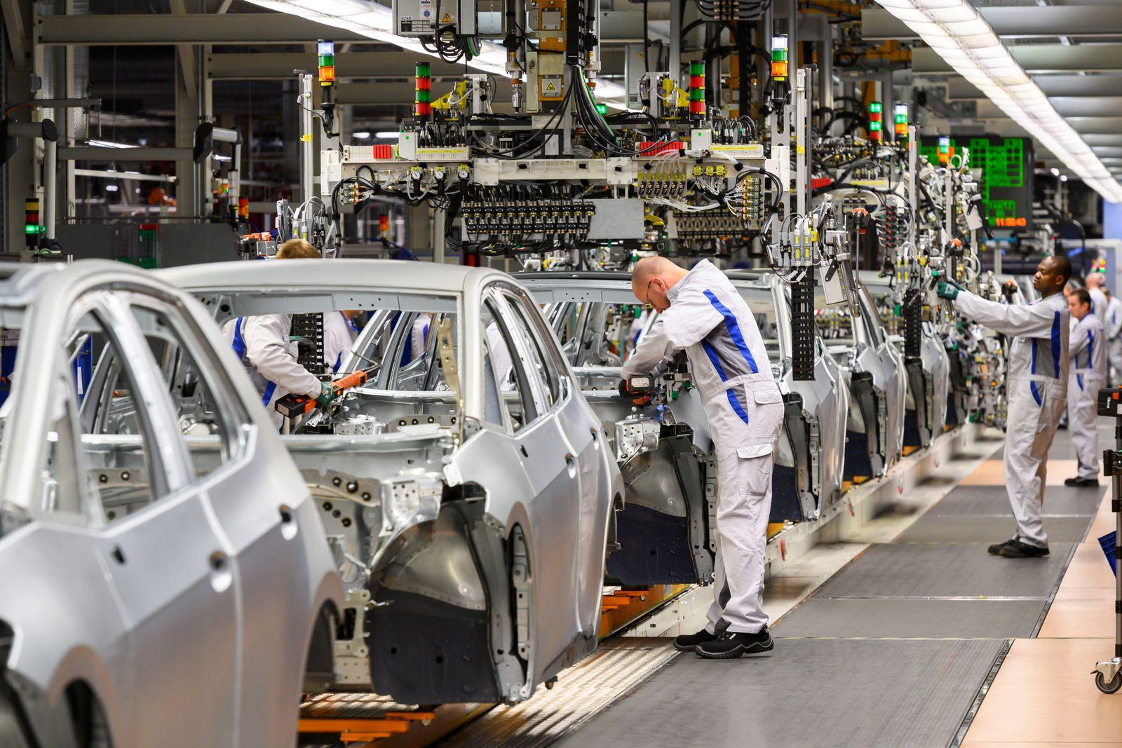 VW hosts photo workshop at Zwickau plant