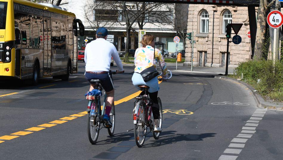 Viel Platz fürs Rad: Pop-up-Radweg in der Zossener Straße in Berlin-Kreuzberg