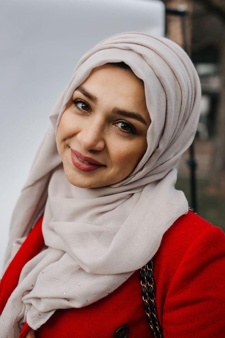 """Farida Moayed: """"In der Schulzeit haben andere Schüler versucht, mir das Tuch vom Kopf zu reißen"""""""