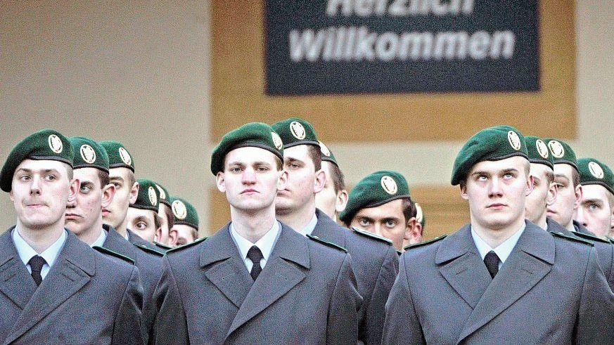1. Wie viele Monate dauerte der Wehrdienst, unmittelbar bevor die Wehrpflicht 2011 ausgesetzt wurde?