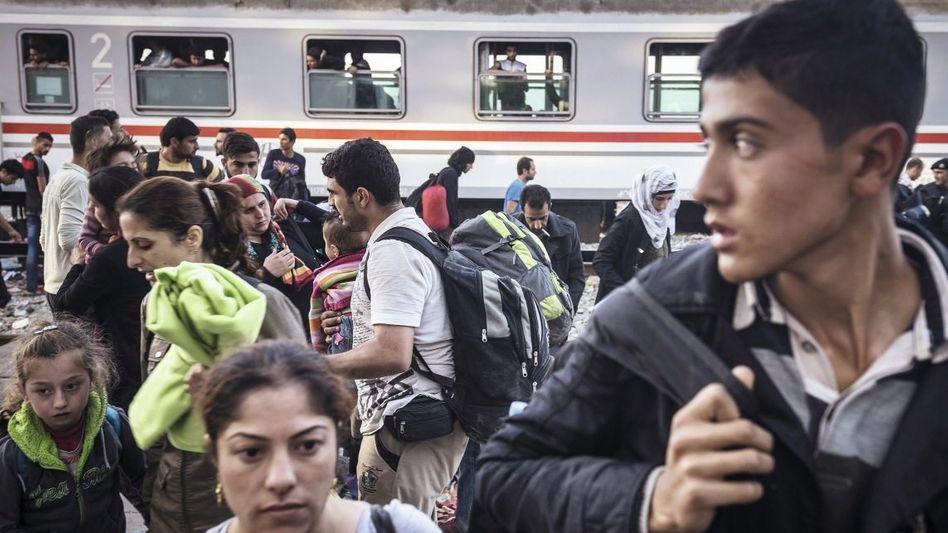 Transitflüchtlinge auf Bahnhof in Kroatien: Bis zu fünf Millionen Flüchtlinge in drei Jahren