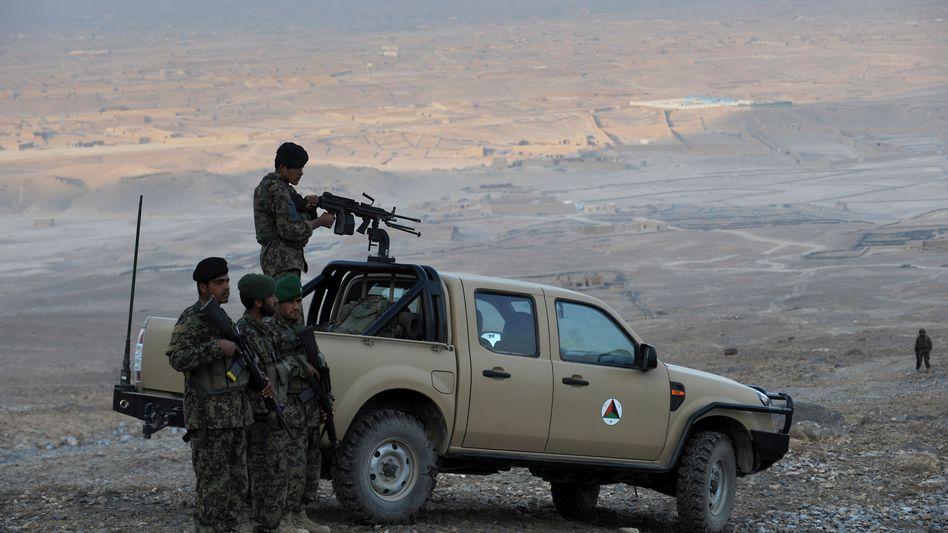"""Soldaten der Afghanischen National-Armee nahe Kabul: """"Gut angelegte Euros"""""""