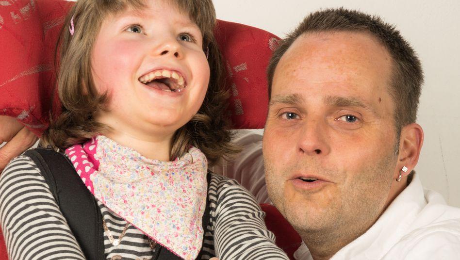 """Marco Hörmeyer und seine Tochter Amelie: """"Kognitiv einen starken Willen"""""""