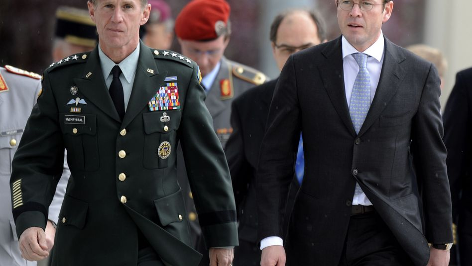US General Stanley McChrystal met with German Defense Minister Karl-Theodor zu Guttenberg in Berlin Wednesday.