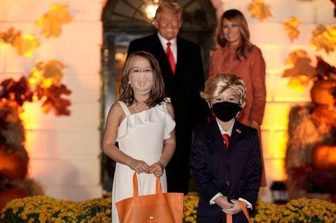 Eine schrecklich nette Familie: Donald und Melania Trump bei einem Halloween-Event mit Kindern