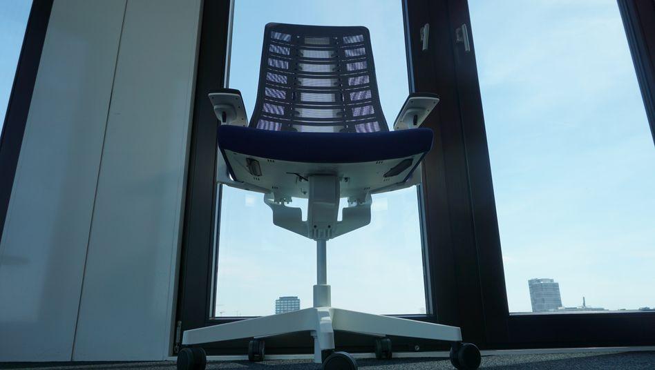 Sitzen - aber worauf? Bürostuhlhersteller gehen mit neuen Konzepten an den Start