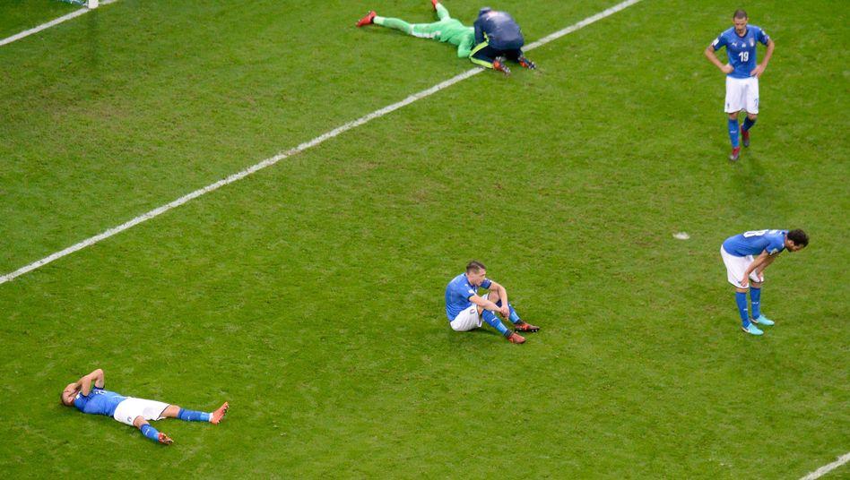 Italiens Spieler nach dem 0:0 gegen Schweden