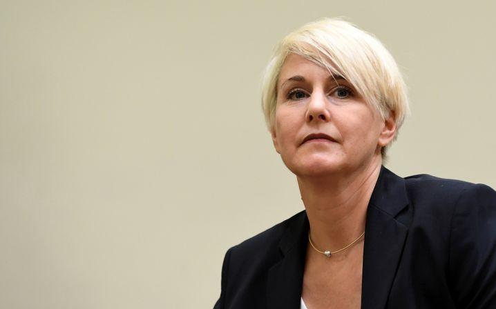 Verteidigerin Anja Sturm