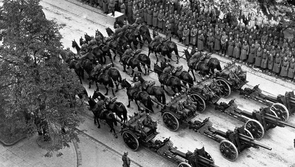 Truppenparade der Wehrmacht am 5. Oktober 1939 in Warschau