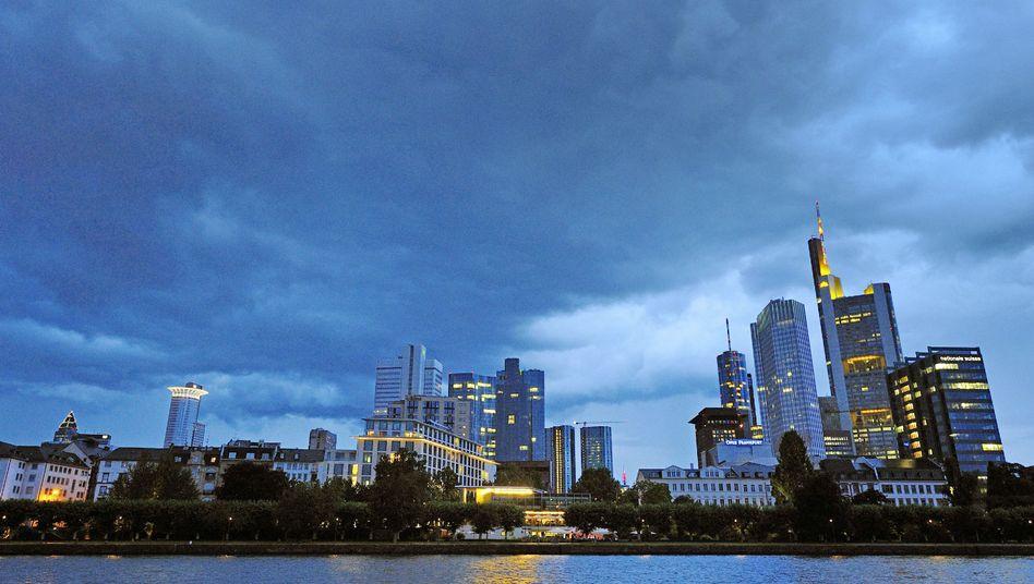Frankfurter Bankenskyline: Spottbilliges Geld für den Aufschwung