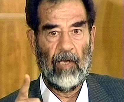 Saddam bei seiner Anhörung: Anklage wegen Verbrechen gegen die Menschlichkeit