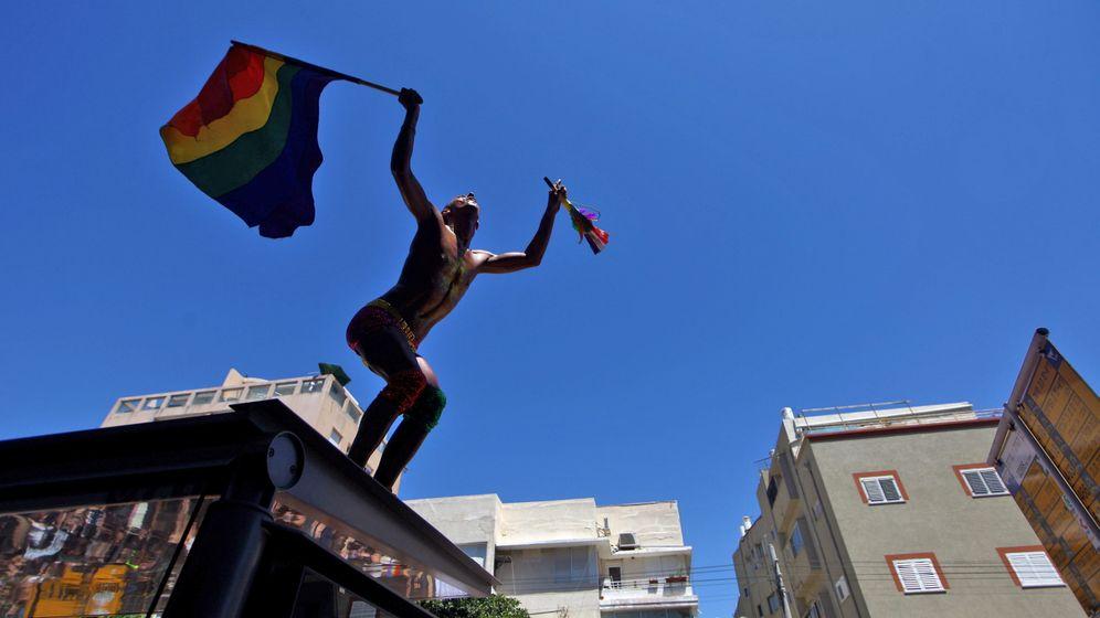 Bunt, laut, freizügig: Nahost-Schwulenparade zieht durch Tel Aviv