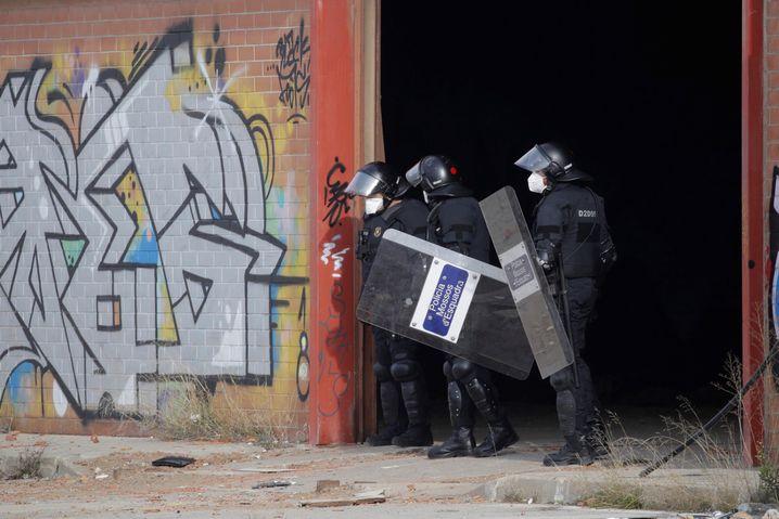 Polizeieinsatz in Llinars del Vallès: Spätes Eingreifen