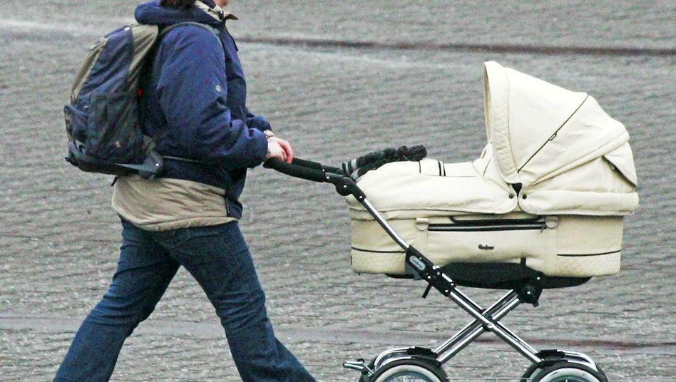 Mutter mit Kinderwagen: Individuelle Gründe müssen überzeugend dargestellt werden