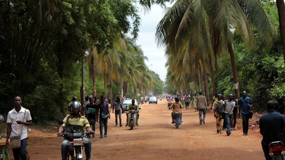 """Studieren in Benin: """"Auch nachts schreit immer jemand"""""""