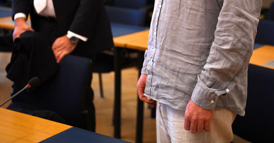 Der Angeklagte Stefan S. im Landgericht Stade