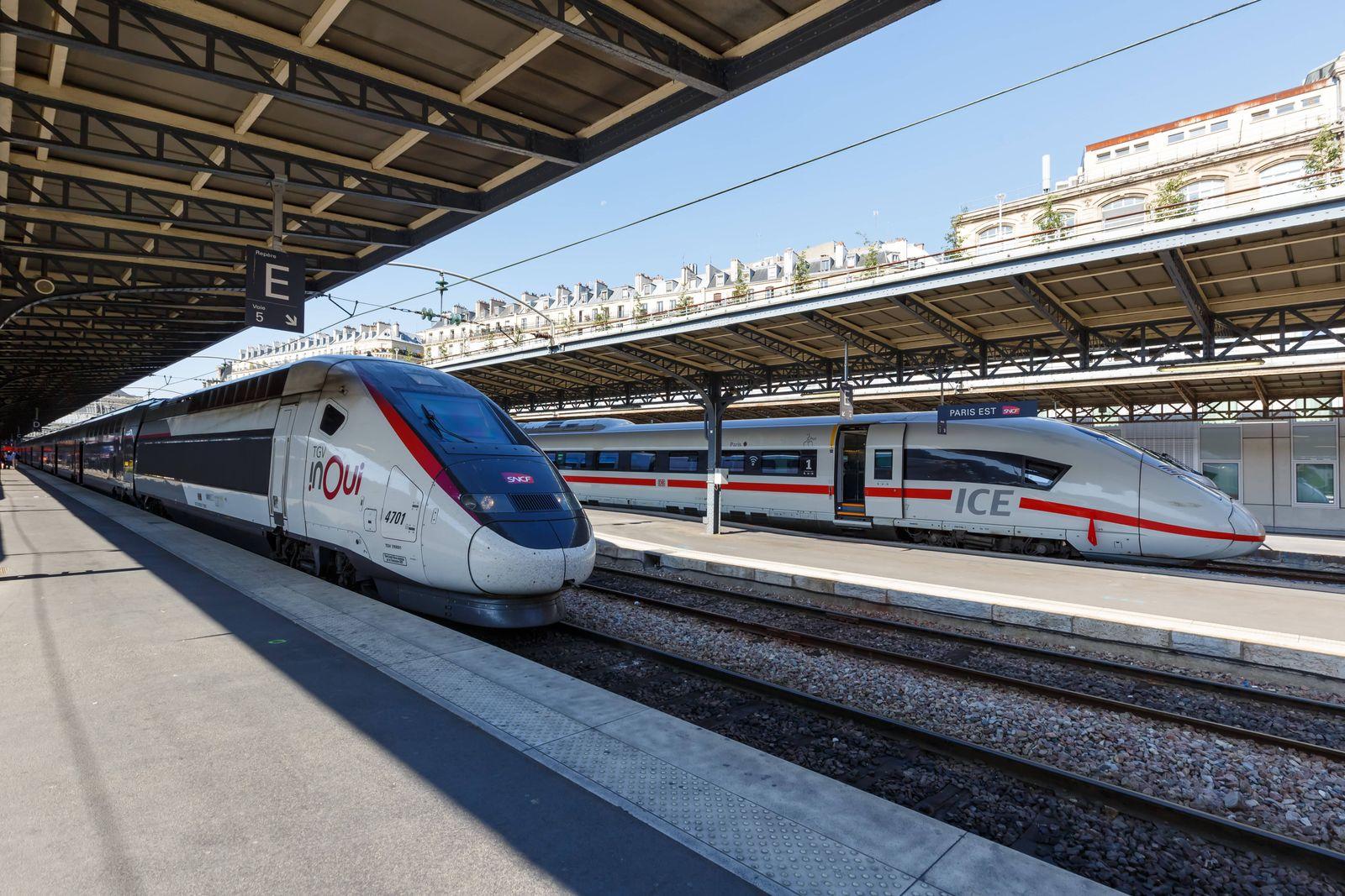Französischer TGV und deutscher ICE Hochgeschwindigkeitszug Zug HGV Bahnhof Paris Est Station in Frankreich Paris, Frank