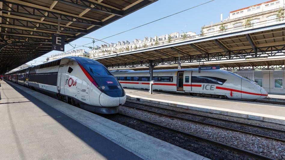 Französischer TGV und deutsche ICE im Bahnhof von Paris