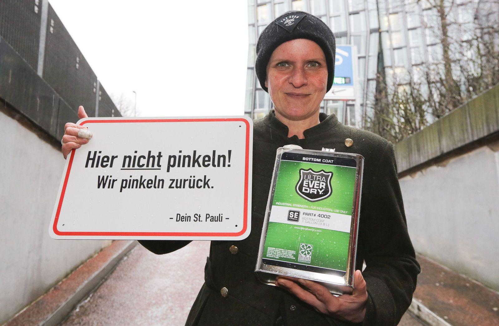 Julia Staron / St. Pauli pinkelt zurück