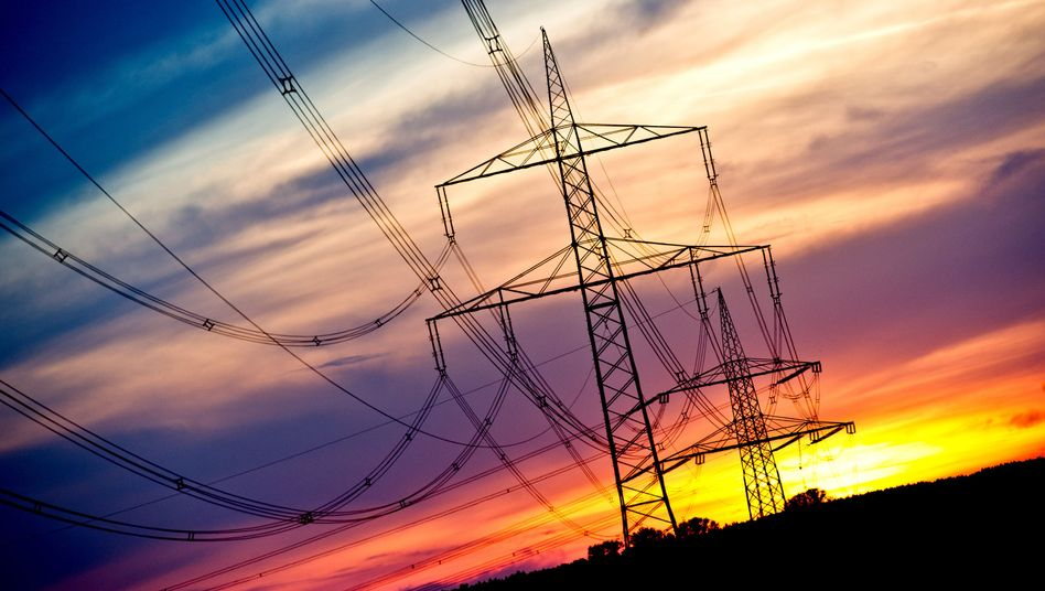 Strommasten in Brandenburg: Neue Stromtrassen für die Ökorepublik