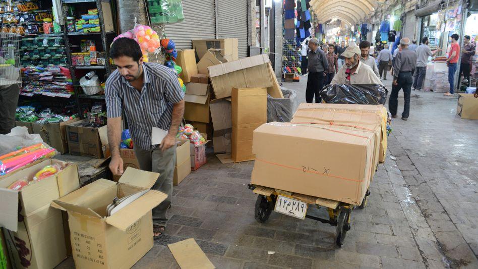 Der tägliche Kampf ums Überleben: Irans Wirtschaft liegt in Trümmern