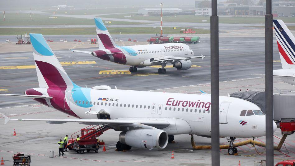 Eurowings-Airbusse in Hamburg: Die Ticketverkäufe sinken schon wieder