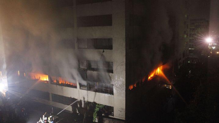 Unglück in Dhaka: Mindestens acht Tote bei Brand in Textilfabrik