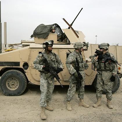 """US-Soldaten vor dem """"Camp Loyalty"""" südöstlich von Bagdad: Unrealistische Pläne für den Abzug"""