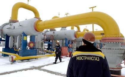 Russian gas pipeline workers near the border with Ukraine.