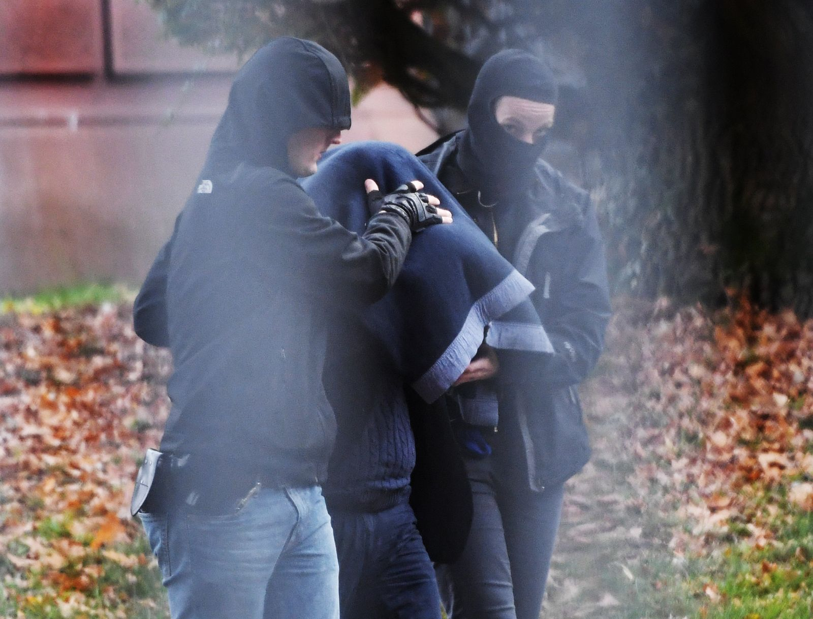 Baden-Württemberg / Karlsruhe / IS-Verdächtige festgenommen