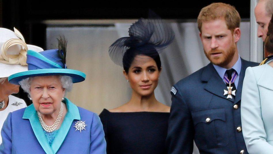 """Queen Elizabeth II. mit Herzogin Meghan und Prinz Harry: """"Sandringham Summit"""" am Montag (Archivbild vom Juli 2018)"""