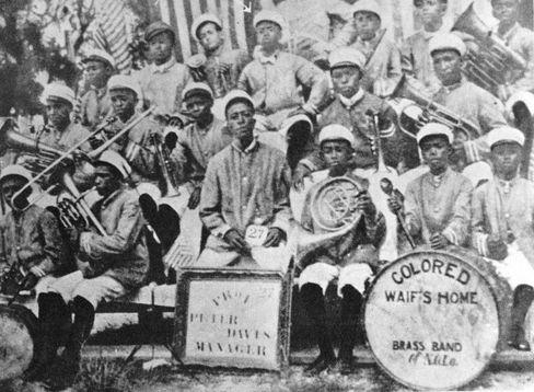 New Orleans: Mit der Kapelle des Erziehungsheims hatte »Satchmo« (obere Reihe, Mitte) erste Auftritte