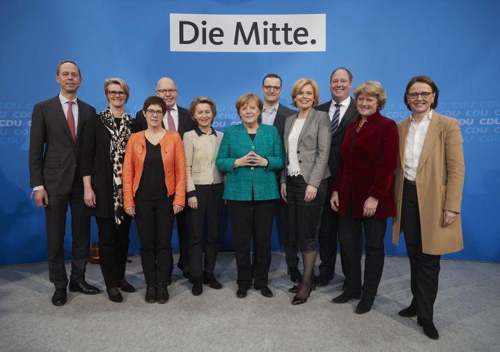 Kanzlerin Merkel mit den CDU-Ministern und Staatssekretären der Bundesregierung