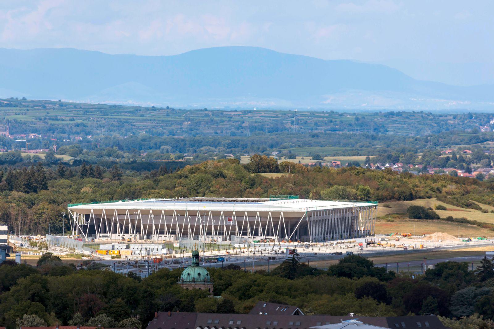 Stadion Neubau im Mooswald für den SC Freiburg. // 15.08.2020, Freiburg im Breisgau, Baden-Württemberg, Deutschland. ***