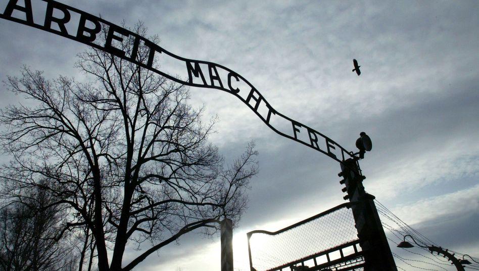 Schriftzug am Eingangstor zum früheren KZ Auschwitz: Am Freitagmorgen gestohlen