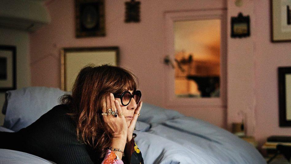 Autorin Calle in ihrer Pariser Wohnung: Die Überwachung ist das Kunstwerk