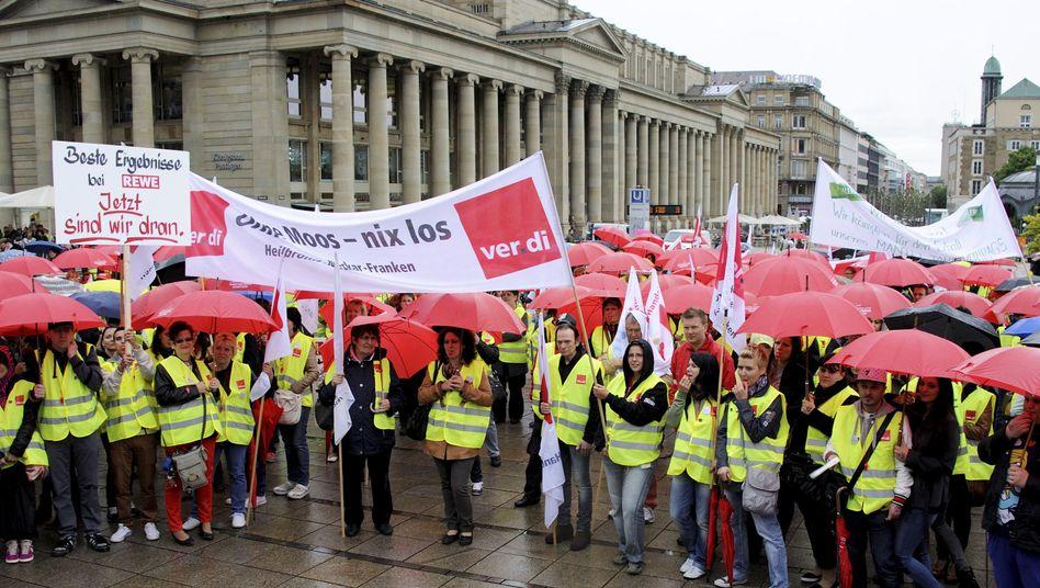 Demo für höhere Löhne im Einzelhandel: Jeder Fünfte liegt unter 8,50 pro Stunde