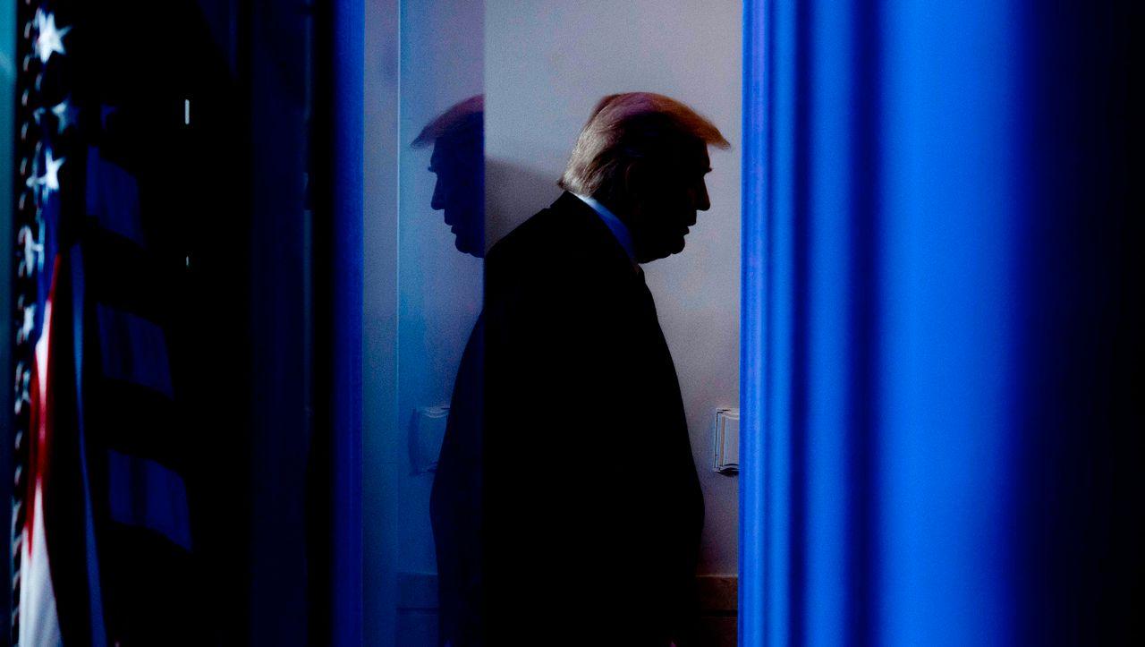 Donald Trump: Senatoren aus seiner eigenen Partei drängen ihn zum Einlenken - DER SPIEGEL - Politik